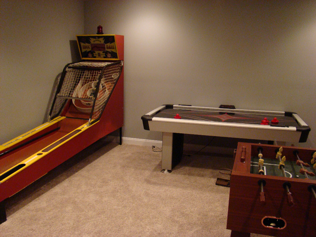 Game rooms image gallery - Game room ideas for small rooms ...