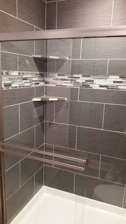 Basement shower with tile